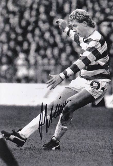 Frank McAvennie, Glasgow Celtic, Scotland, signed 12x8 inch photo.